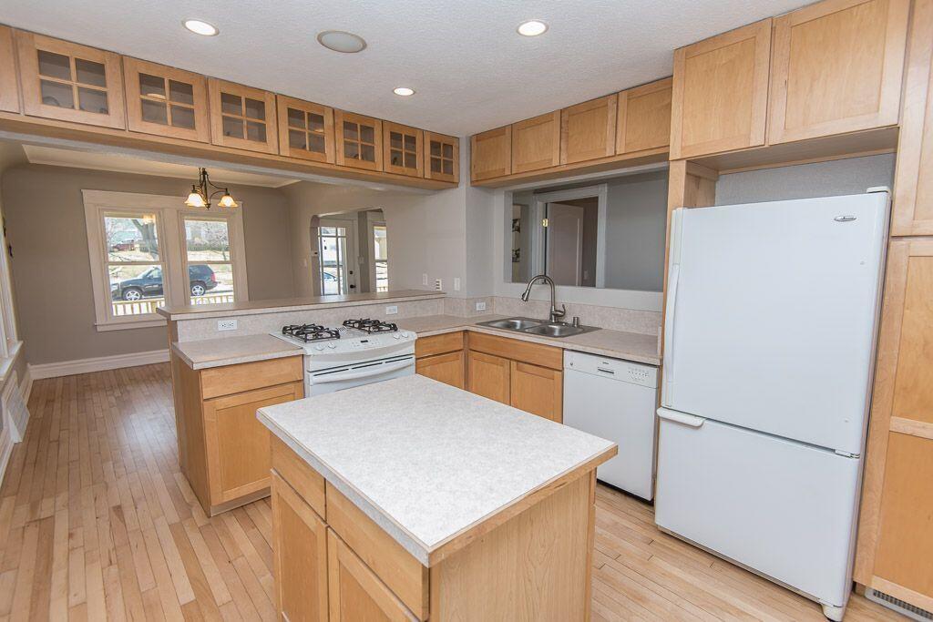 Whittaker kitchen view 1