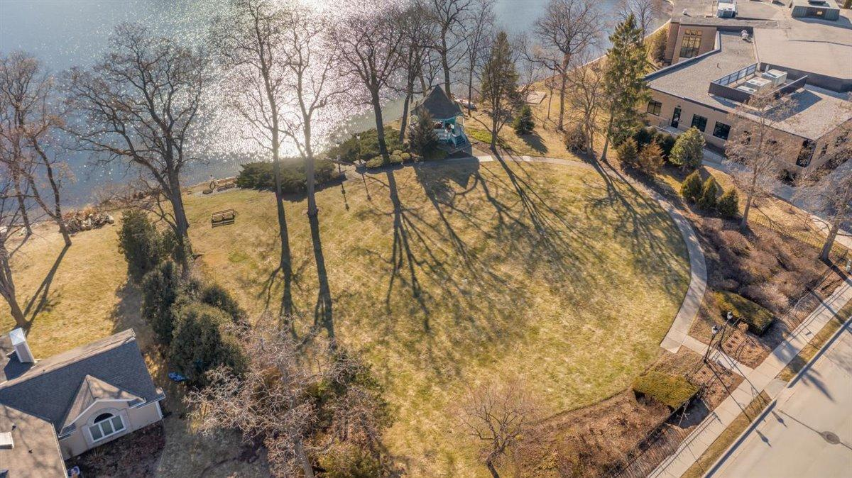 Private park with Fowler Lake access-