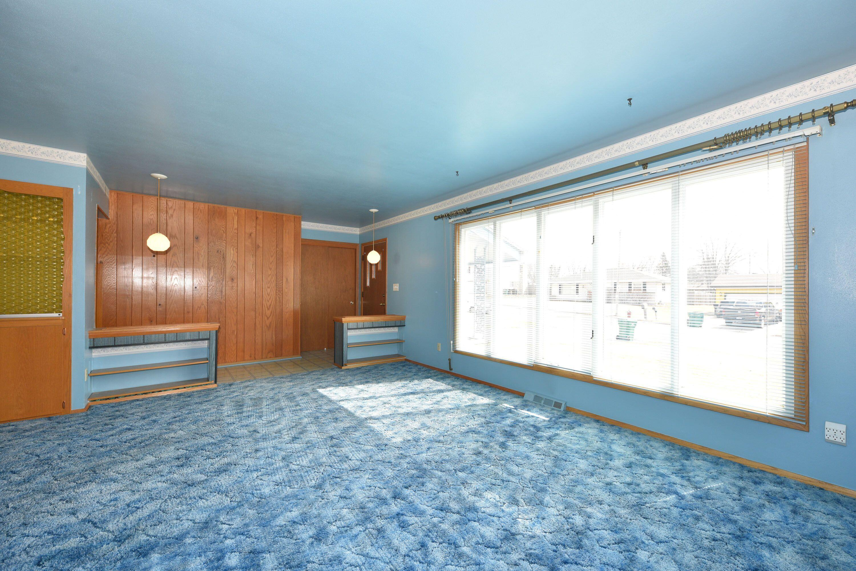 Foyer to Living Rm Lexington