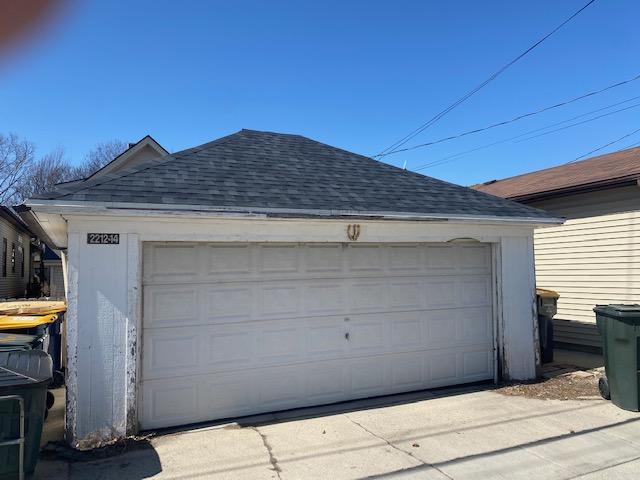 2.5 detached garage