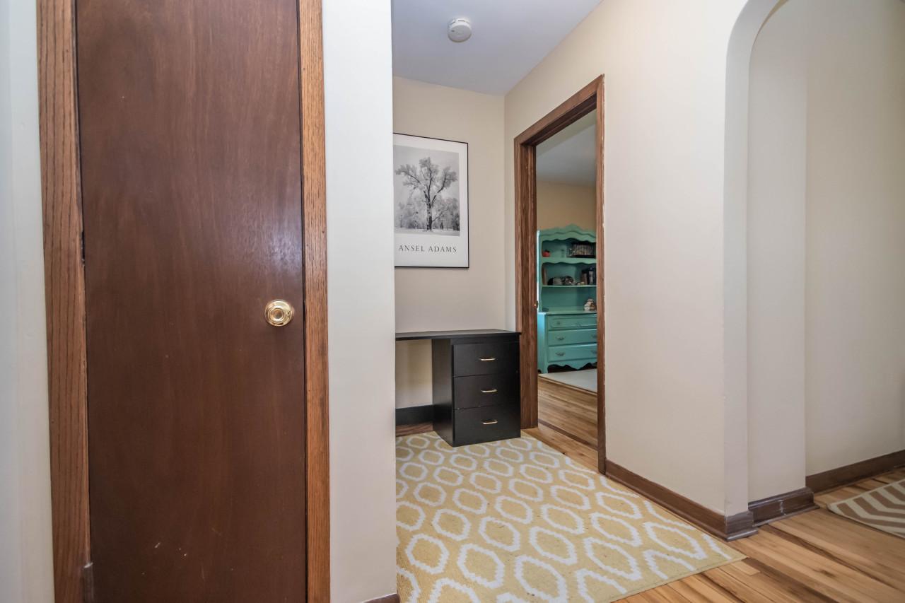 Hall to main floor bedrooms