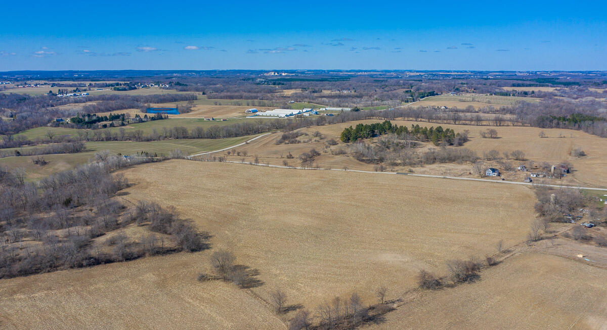 Property for sale at Lt4 E Moraine Dr, Kewaskum,  Wisconsin 53040
