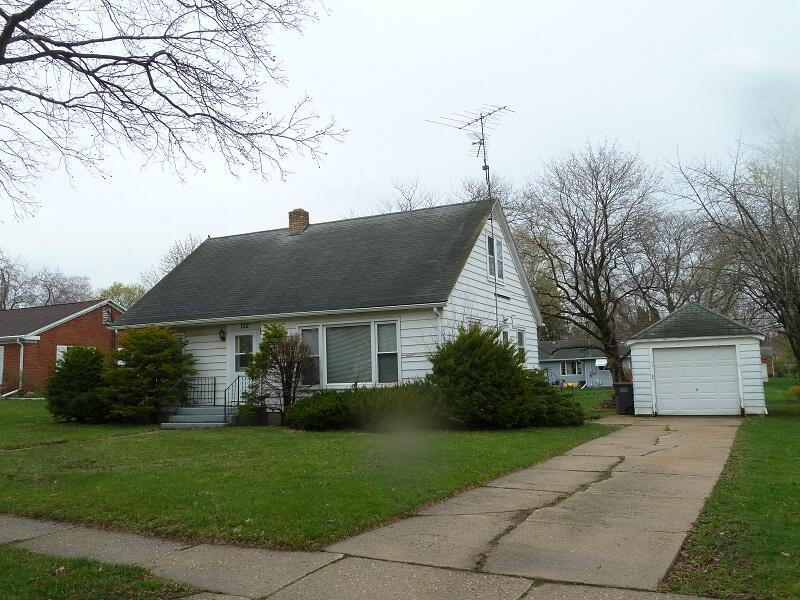 Photo of 132 S Highland Ave, Jefferson, WI 53549