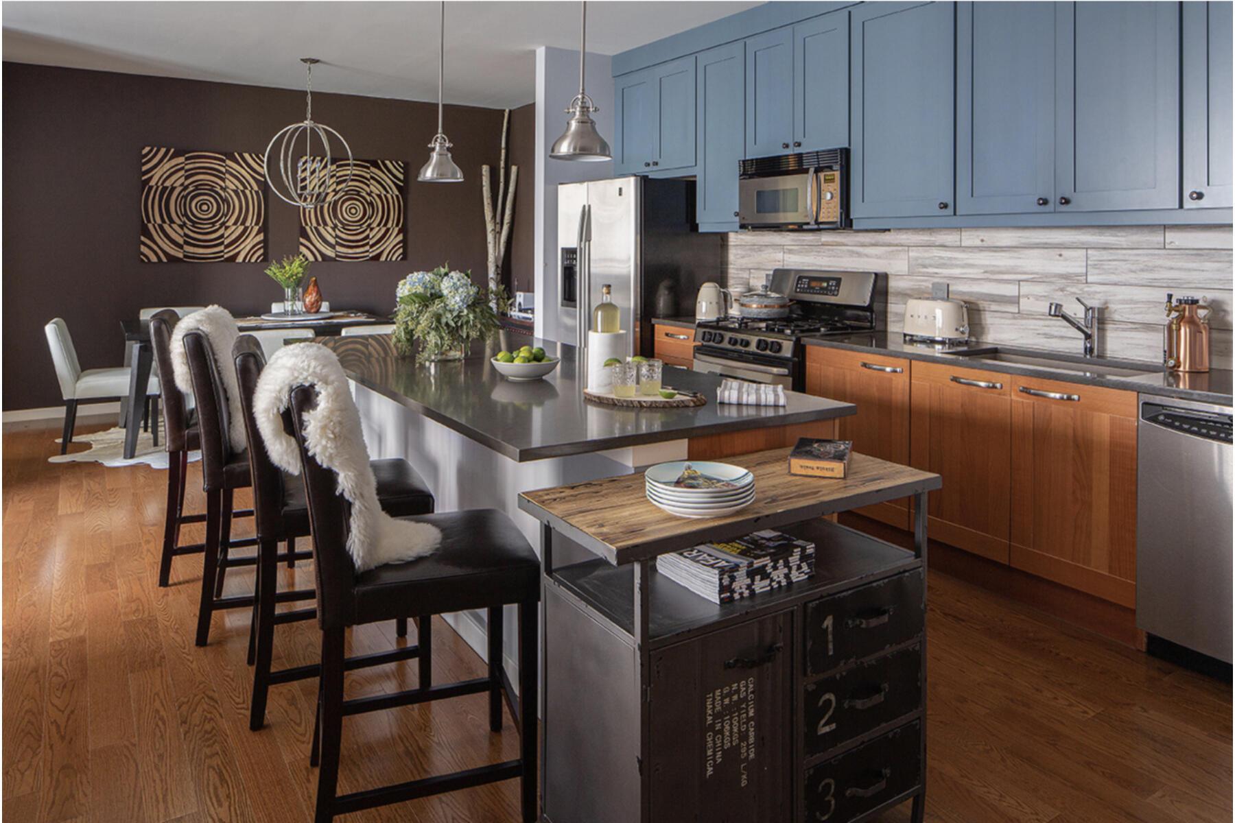Kitchen with Alternate Decor