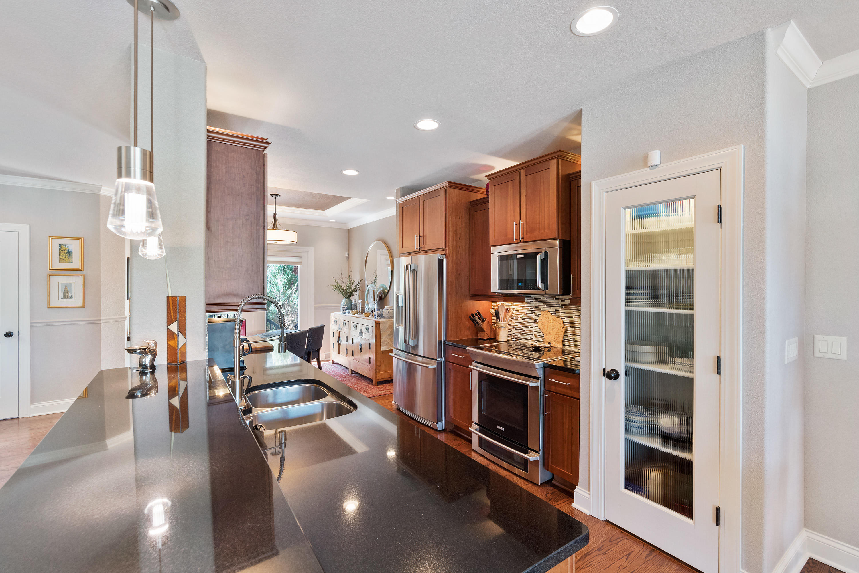 Under Cabinet Lighting and Pantry
