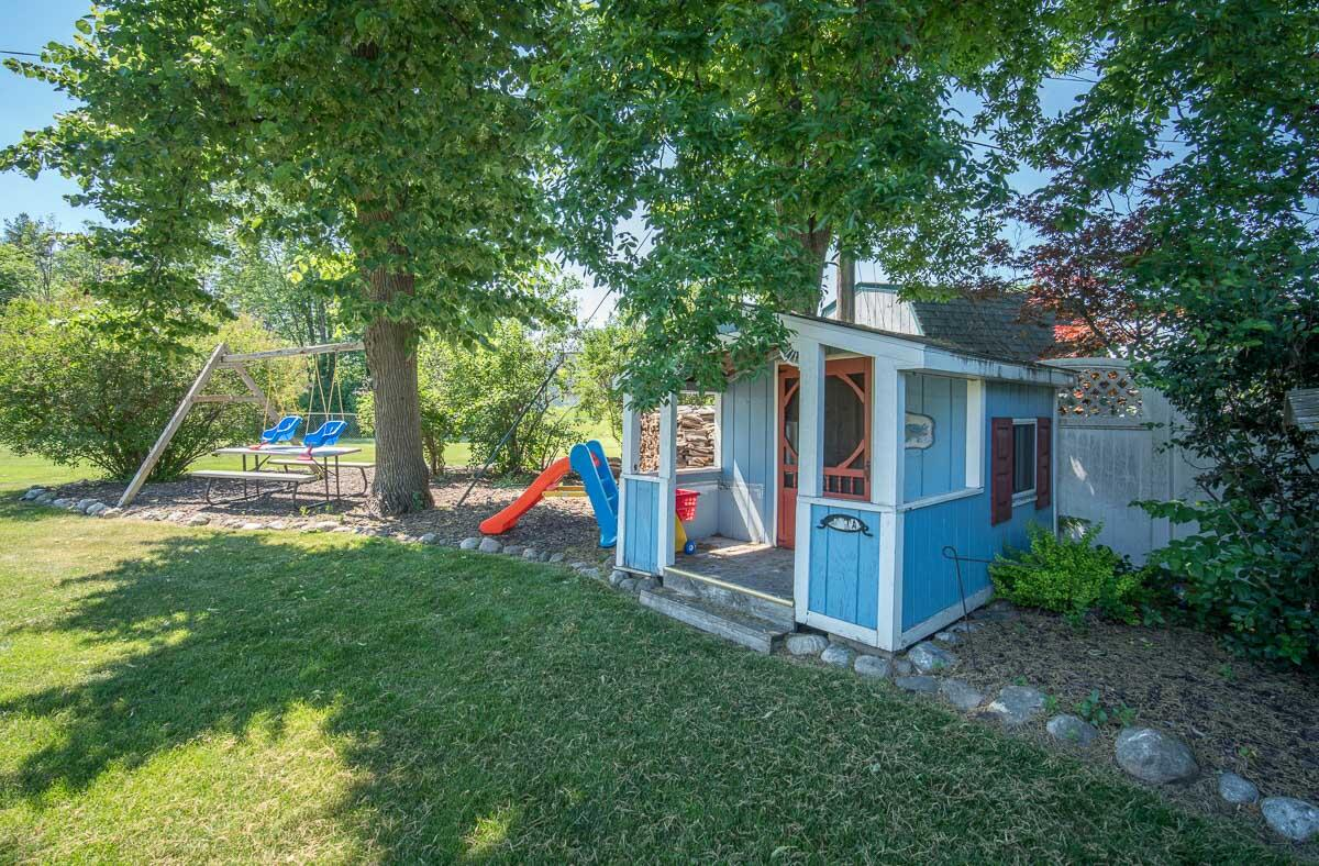 Play House/Storage Shed