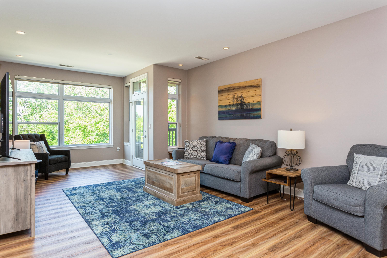 02_Living Room