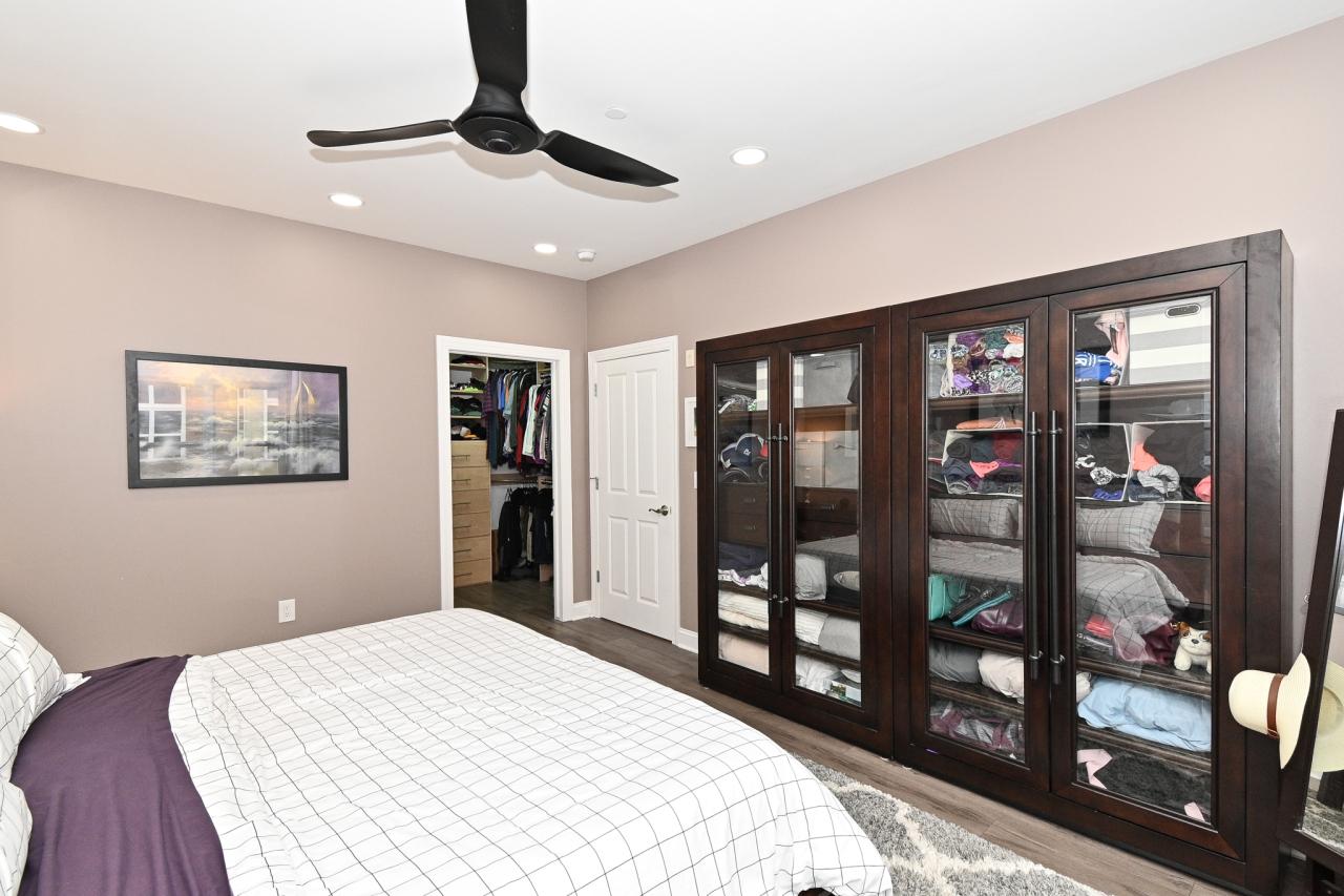 Ample Storage & Walk-in Closet