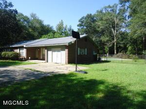 17735 John Cumbest Rd, Moss Point, MS 39562