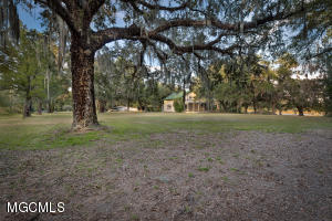 3608 Knapp Rd, Ocean Springs, MS 39564