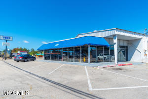 542 Pass Rd, Gulfport, MS 39507