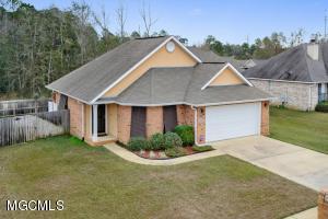 13609 Hidden Oaks Dr, Gulfport, MS 39503
