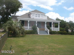 1114 Beach Blvd, Biloxi, MS 39530