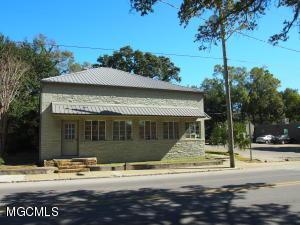 136 Porter Ave, Biloxi, MS 39530