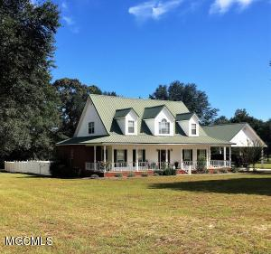 128 Southland Ln, Lucedale, MS 39452