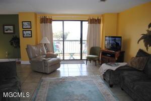 1130 Beach Blvd 207, Biloxi, MS 39530