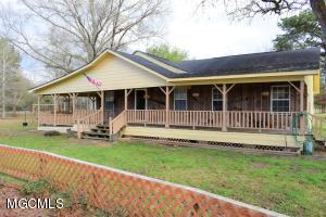 123 Oscar Howard Rd, Lucedale, MS 39452