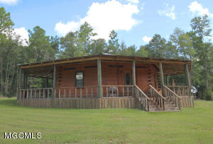 112 Mac Brooks Rd, Lucedale, MS 39452