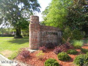 13141 Riverview Cv, D'Iberville, MS 39540