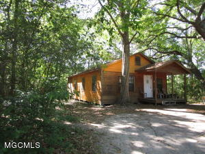 3831 Prentiss Ave, Moss Point, MS 39563