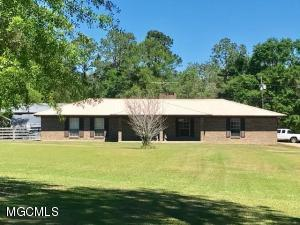 16301 Lily Orchard Rd, Moss Point, MS 39562