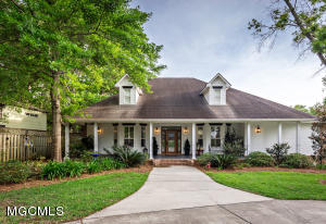 808 Spanish Ave, Pascagoula, MS 39567