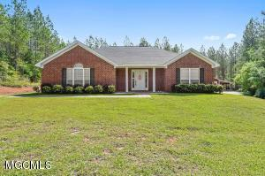 261 Easley Rd, Lucedale, MS 39452