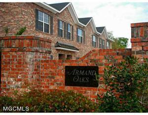 115 Armand Oaks Dr, Ocean Springs, MS 39564