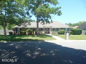 12550 Lake Village Dr, Gulfport, MS 39503
