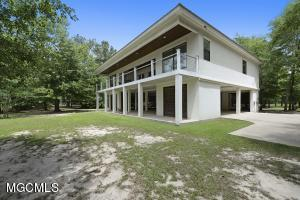 13167 Riverwalk Cr Cir, Biloxi, MS 39540