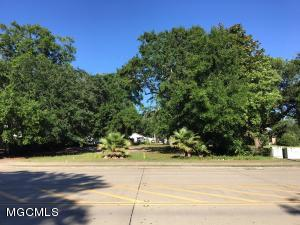 174 White Ave, Biloxi, MS 39530
