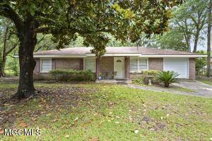 314 Hillandale Ave, Ocean Springs, MS 39564