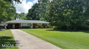 3166 Bachman Rd, D'Iberville, MS 39540