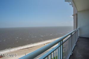 2228 Beach Dr 1403, Gulfport, MS 39507
