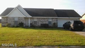 2300 Paula Cir, Ocean Springs, MS 39564