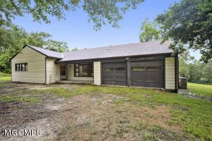 5523 Whetstone Rd, D'Iberville, MS 39540