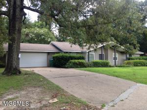 139 Oakwood Dr, Gulfport, MS 39507