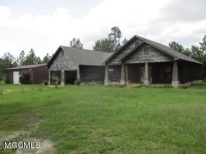 26307 Ivy Emerson Rd, Lucedale, MS 39452