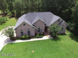 1344 Fairway Dr, Wiggins, MS 39577