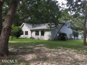 10402 Roberts Rd, Biloxi, MS 39532