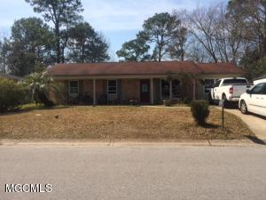 105 Niagara Ave, Ocean Springs, MS 39564