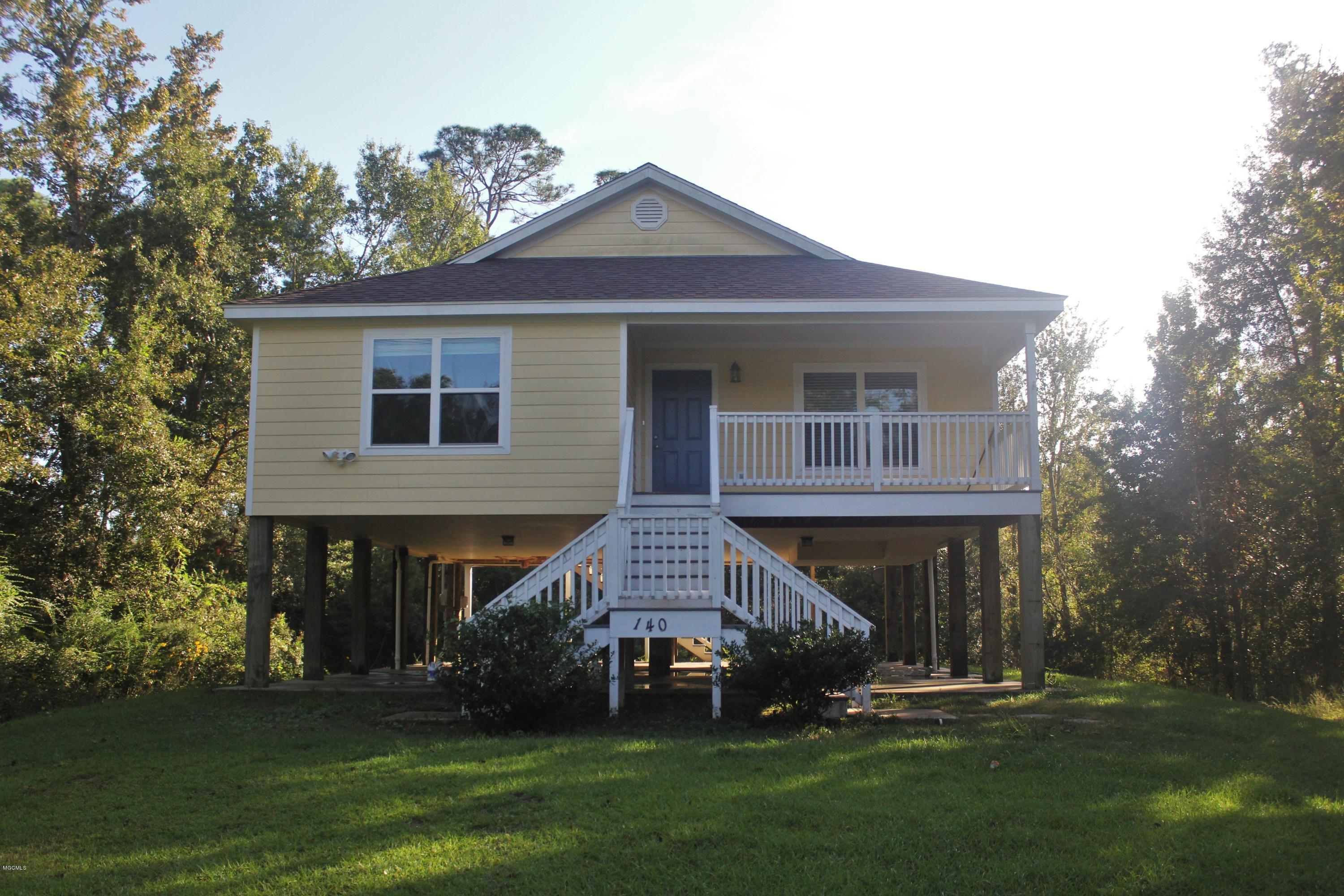 140 Felicity St,Bay St. Louis,Mississippi 39520,3 Bedrooms Bedrooms,2 BathroomsBathrooms,Rental,Felicity,340149