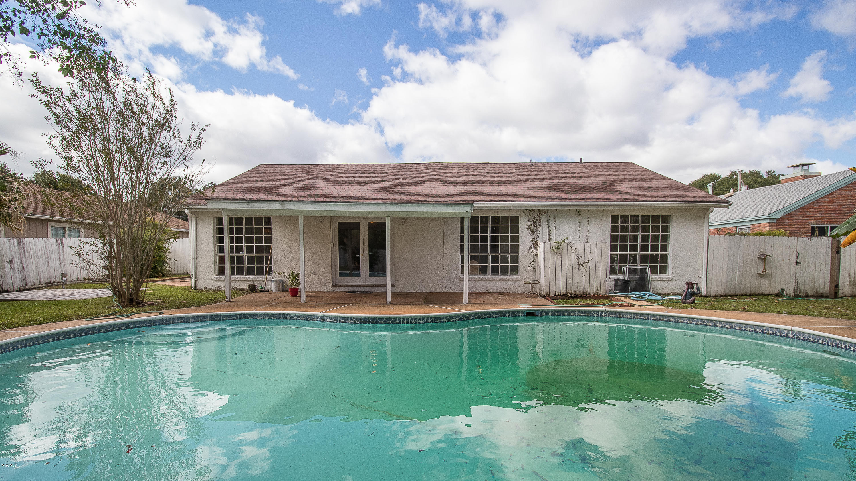 324 Eastview Dr, Biloxi, Mississippi 39531, 3 Bedrooms Bedrooms, ,2 BathroomsBathrooms,Single-family,For Sale,Eastview,340864