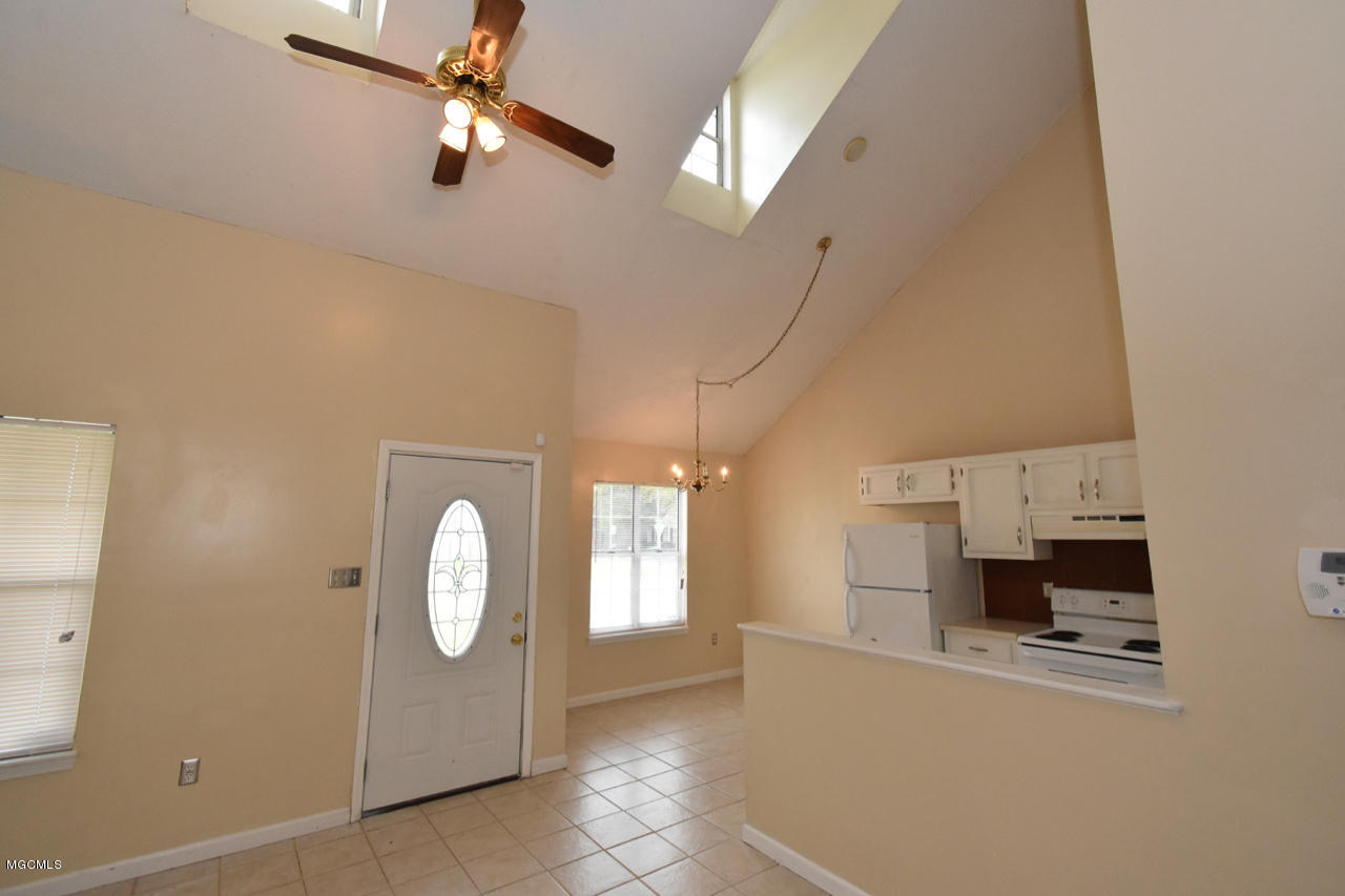 13407 Windsong Dr, Gulfport, Mississippi 39503, 3 Bedrooms Bedrooms, ,2 BathroomsBathrooms,Single-family,For Sale,Windsong,340870