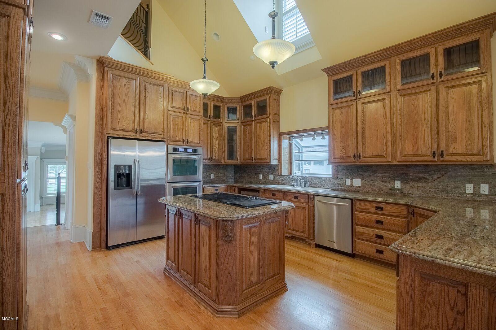 15111 Dawnland Dr, Gulfport, Mississippi 39503, 5 Bedrooms Bedrooms, ,3 BathroomsBathrooms,Single-family,For Sale,Dawnland,340871