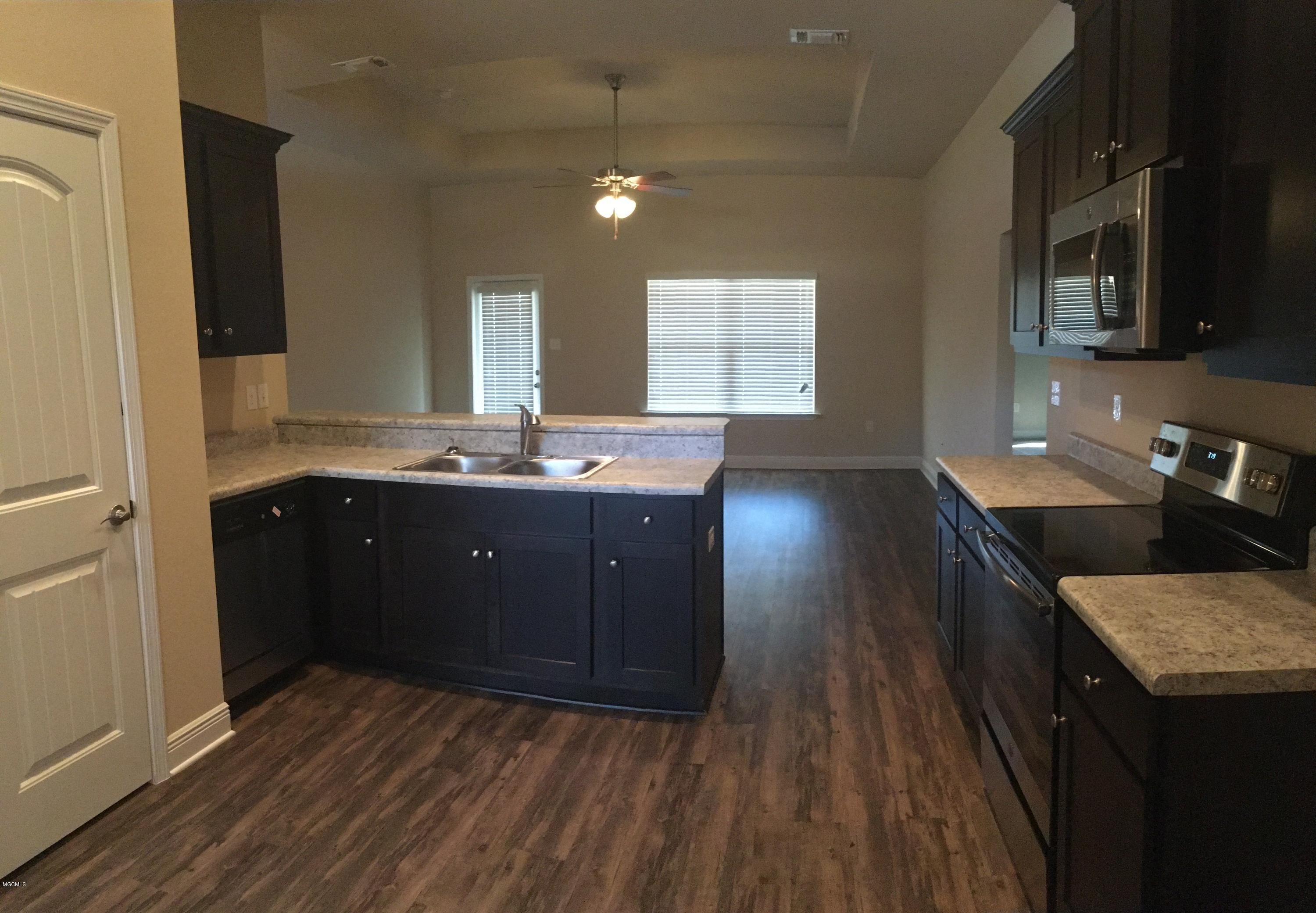 14463 Canal Loop, Gulfport, Mississippi 39503, 3 Bedrooms Bedrooms, ,2 BathroomsBathrooms,Single-family,For Sale,Canal Loop,340875