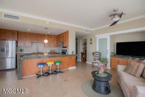 Photo #6 of 2060 Beach Blvd, Biloxi, MS 39531