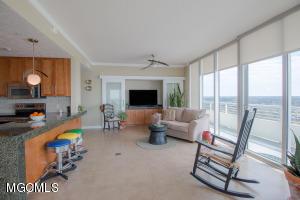 Photo #5 of 2060 Beach Blvd, Biloxi, MS 39531