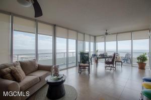 Photo #3 of 2060 Beach Blvd, Biloxi, MS 39531