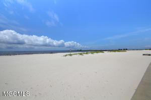 Photo #17 of 2060 Beach Blvd, Biloxi, MS 39531